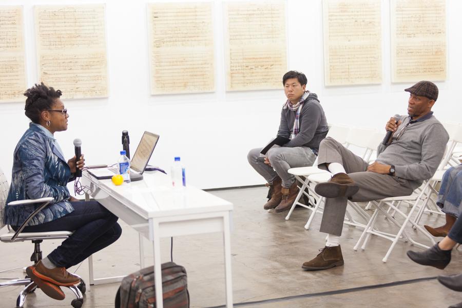 艺术家谈话:Cauleen Smith 在 Art + Practice。洛杉矶。 2015 年 3 月 11 日。肖恩·希姆-博伊尔摄。